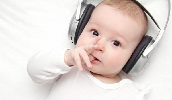 Loại âm nhạc phù hợp theo từng giai đoạn tuổi cho bé yêu phát triển não bộ