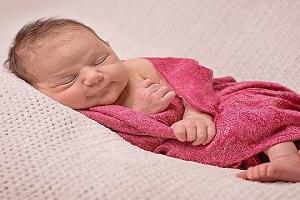 Giữ ấm cho trẻ sơ sinh đúng cách trong mùa lạnh mà các mẹ cần nắm rõ